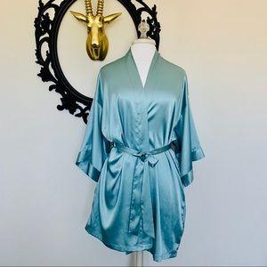 ✨Victoria's Secret Satin Robe